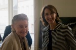 Fee Fleck (links) kurz vor ihrer Projektvorstellung (mit Gunda Schwarz)